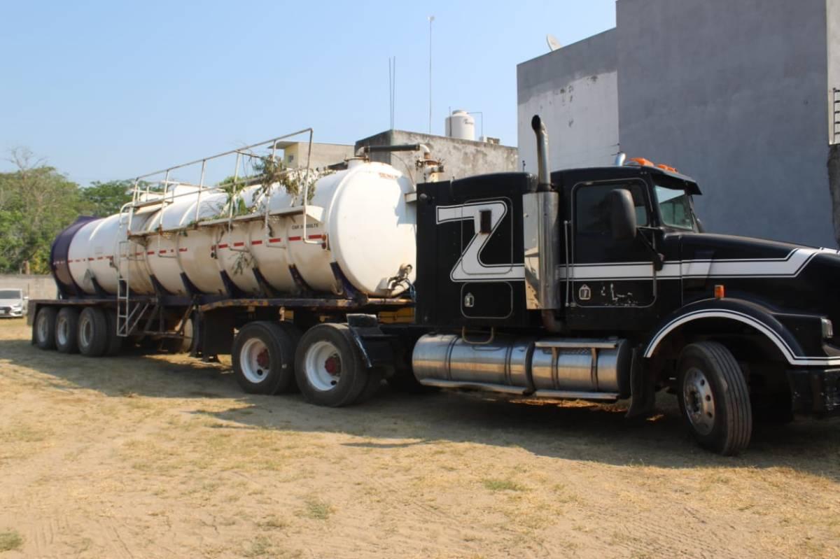 Nuevo golpe al 'huachicoleo': caen ocho en Centro, con 30 mil litros de combustible ilegal